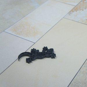 Mischbelag in Bahnen 15-20-25cm breit, 7mm stark, Solnhofener bruchrau